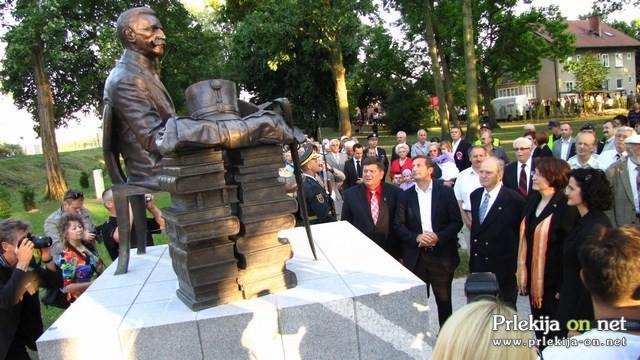 Spomenik Rudolf Maister Vojanov