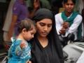 MUSLIMANKA Z OTROKOM - DELHI Indija